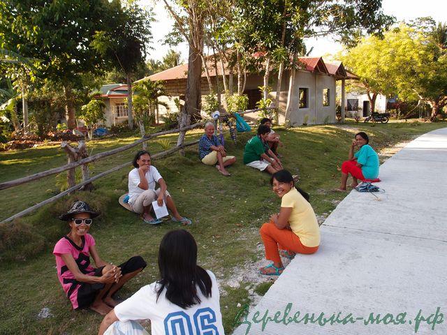 женщины в деревне на филиппинах