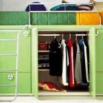 кровать и гардероб